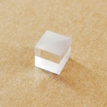 Polarizing Beam Splitter Refractor Optical Elements Cube 400-700nm Visible Light Triangular Prism